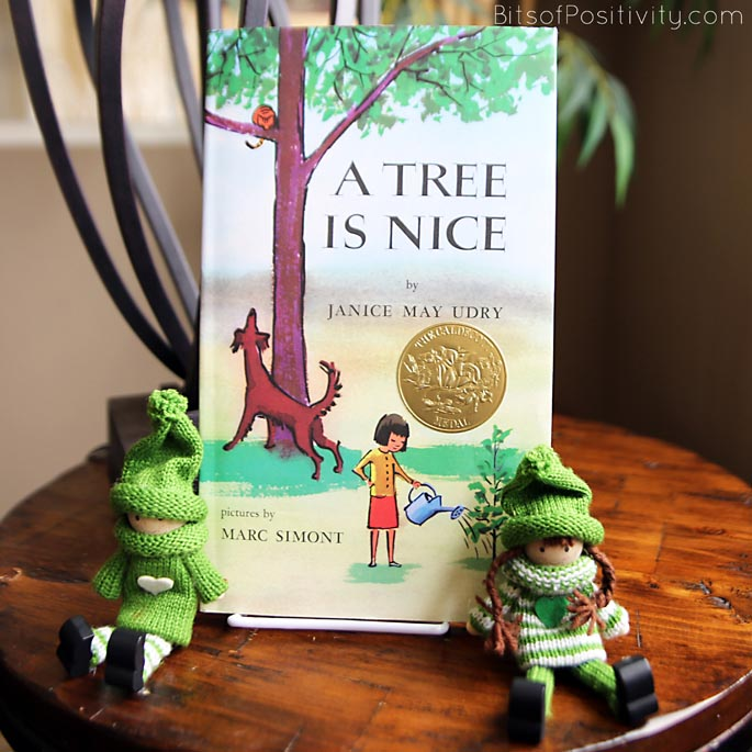 Green Kindness Elves with A Tree Is Nice
