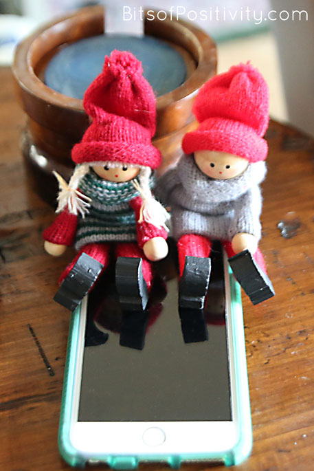 "The Kindness Elves: ""Let's call Great-Grandma and Great-Grandpa!"""